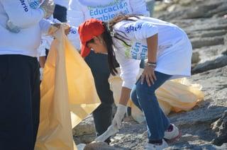 Día-internacional-de-voluntarios-Delphinus.jpg