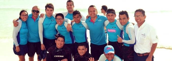 nado-con-delfines-cancun-rescate