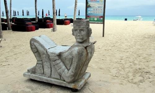 vivir-en-cancun-playa-chac-mool.jpg