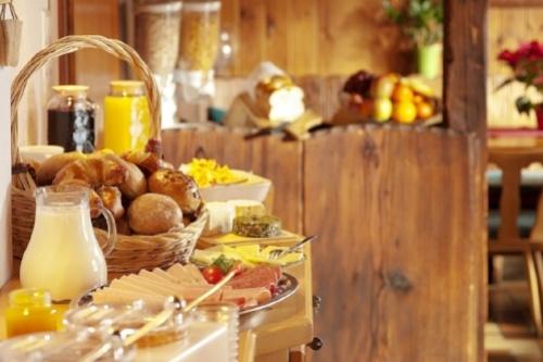 hotel-desayuno-continental.jpg