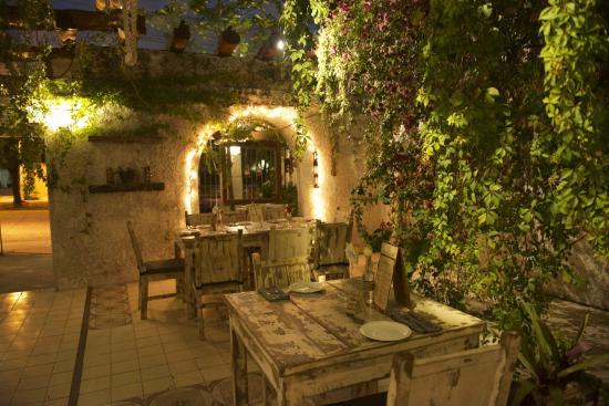 la-fonda-del-zancudo-mejores-restaurantes-cancun.jpg